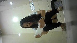 CHINA GIRL GO TOILET 13