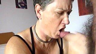Suce bite soumise felation  chienne branleuse