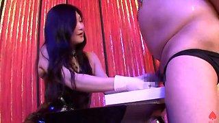 Japanese mistress spanking, handjob and pegging_1