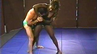 Mixed Wrestling muscle beauty vs muscle beast