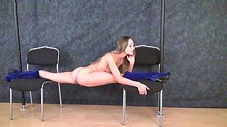 flexible girl gimnastica-ritmika Margo in erotic-stretch show 4