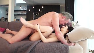 Old and junior porn - sweet innocent girlfriend gets fucked b