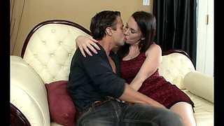 Feverish Alan Stafford eats hot kitty of raven haired sexy MILF Rayveness