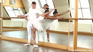 Flexible ballerina Keira is making love with her dance partner