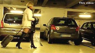 Surprise Dans Le Parking De L'Aéroport De Roissy