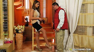 Housewife Sucks and Fucks Delivery Guy