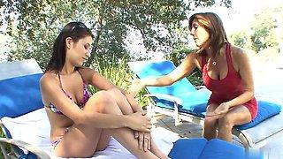 Young brunette takes her bra off to seduce older slut