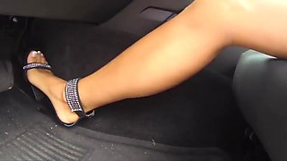 Car upskirt girl problem with car