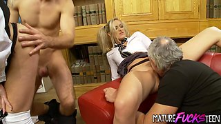 Teens Angel and Cindy ride two old dicks