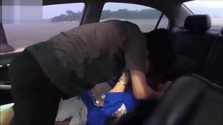 Korean Boyfriend and Girlfriend Fuck In Car