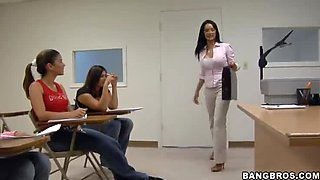Horny anatomy class teacher demonstrates the structure on cocks