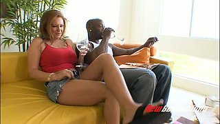 Astonishing MILF in shorts Jaylyn Rose lures black dude for sex at home