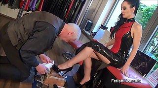 polishing the high heels - @heelslovers