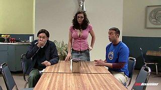 Nerdy brunette in glasses Ashlynn Brooke hooks up with two kinky dudes