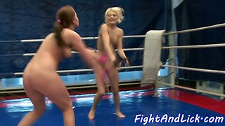 Busty wrestling babe pussylicking les partner