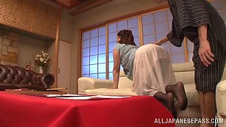 chubby japanese girl enjoys vibrator and hard cock