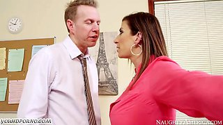 Horny female-boss wants to fuck on the office desk