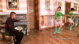 Ballerina Aleska Diamond is sucking a slender dick