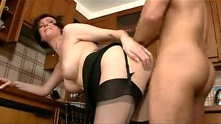 English boy fucks friend's hot mom