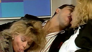 Joy Karins & Tracey Adams fuck Roberto Malone