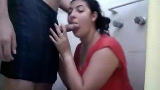 نيك محارم عربي في الحمام ينيك مراة اخوه 1
