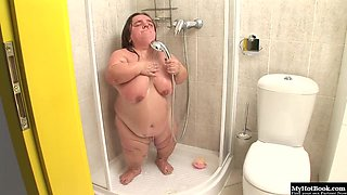 Gidget The Monster Midget masturbates in the shower just like you and me