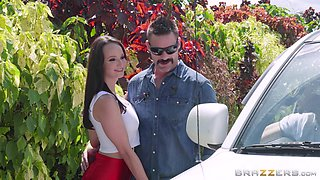 Good-looking hunk gets to penetrate Lexi Luna's pussy