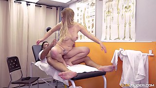 Paola Guerra having her pussy dicked mercilessly at the clinic