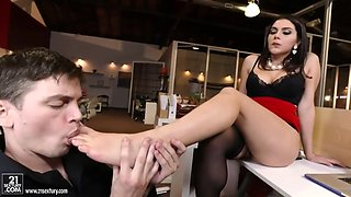 dude licks valentina nappi's feet and plows her hairy pussy in office
