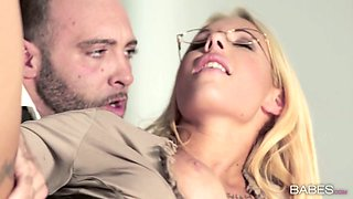 Four eyed blond secretary Kyra Hot gets her twat fucked on the table