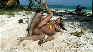 Some hot passion on the beach with a kinky doll Daria