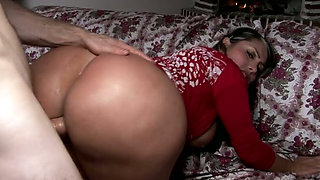 Perfect slut with hot body Sandra enjoys riding hard penis