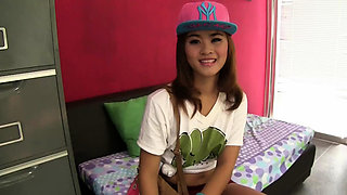 Thai babe fucks manager at casting audition