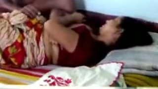 Morning time missionary sex with my sari wearing Indian wife