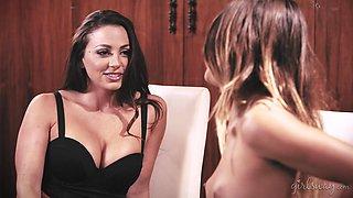 Abigail Mac and Uma Jolie enjoy seducing each other for a lesbian game