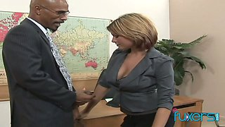 Quite bootyful white secretary lures bald black boss to work on his BBC