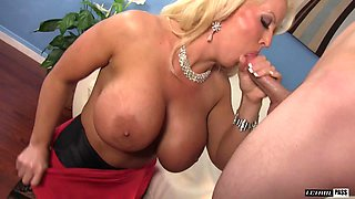 Busty cougar Alura Jenson seduces a fellow for a shag