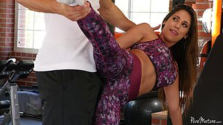 Busty babe called Reena getting a balls-deep treatment in the gym