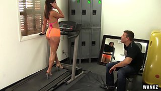 Gym Rat Creeps Asstastic Babe Kelsi Monroe