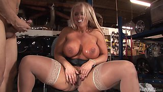 Nothing makes blonde Alura Jenson happy like getting her cunt eaten