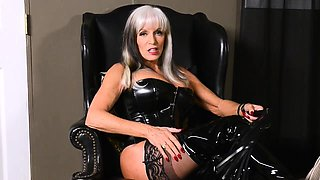 Dominant mature in latex loves anal