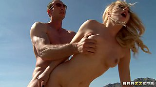 Blonde whore Lexi Belle is banged in car outdoors