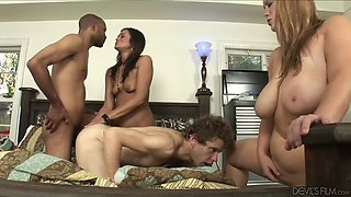 swinging couples have some hot sex bisexual