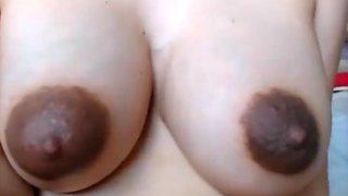 Dark nips on pregnant beauty