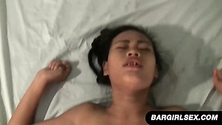 Horny Filipina Takes Dick and Gets Creampied