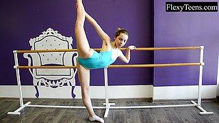 Hot ballerina shows flexibility