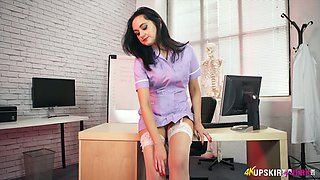 Heart stopping brunette doctor Bonnie gets undressed