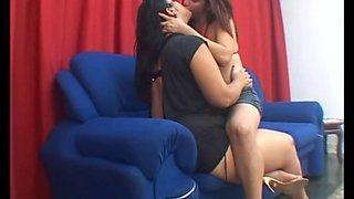 mfx  fat  lesbian kiss  pretty teen