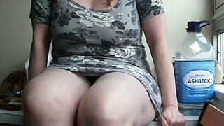 I took hot uprskirt video of my big breasted girlfriend