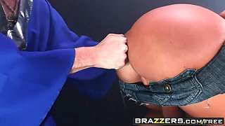 Brazzers - Big Butts Like It Big - Stick It In My Big Country Ass scene starring Nikki Sexx